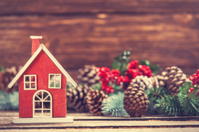 How to Get Your House Holiday Ready Without Breaking the Bank